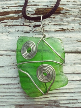 bmc-big-green-spiral-necklace