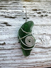 bmc-green-spiral-necklace
